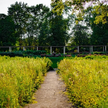 The Cultivated Beauty of Cantigny Gardens – Wandering-Pondering